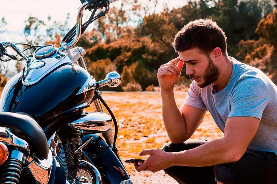 Arreglar motos con piezas de desguace